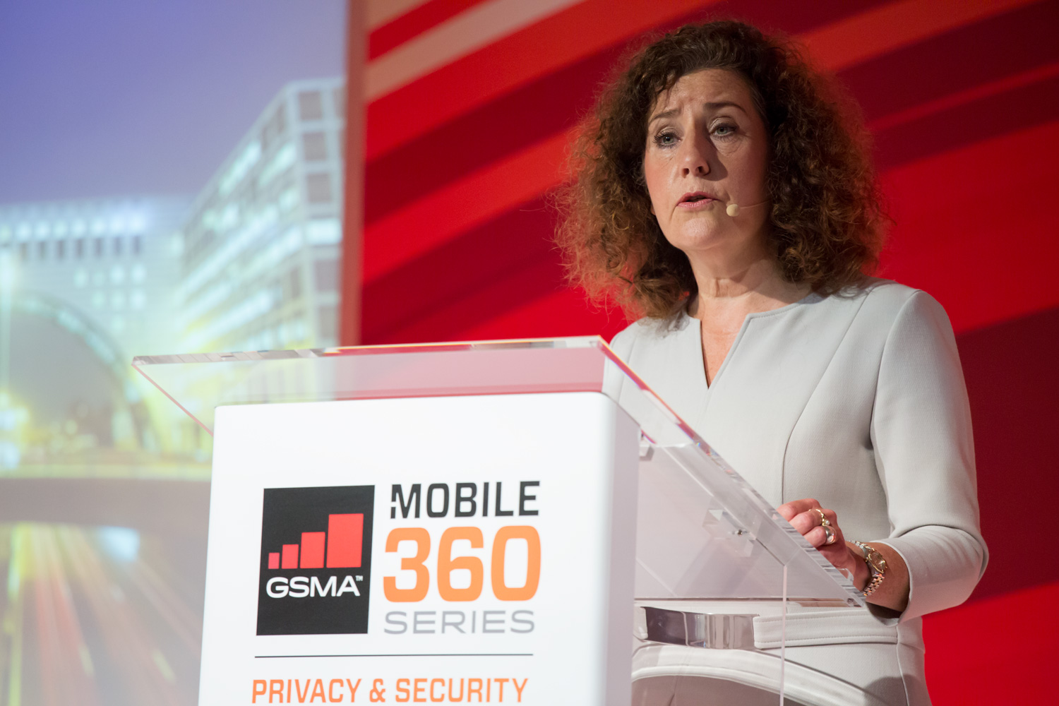 Ingrid van Engelshoven tijdens EVENEMENT MOBILE 360 PRIVACY & SECURITY